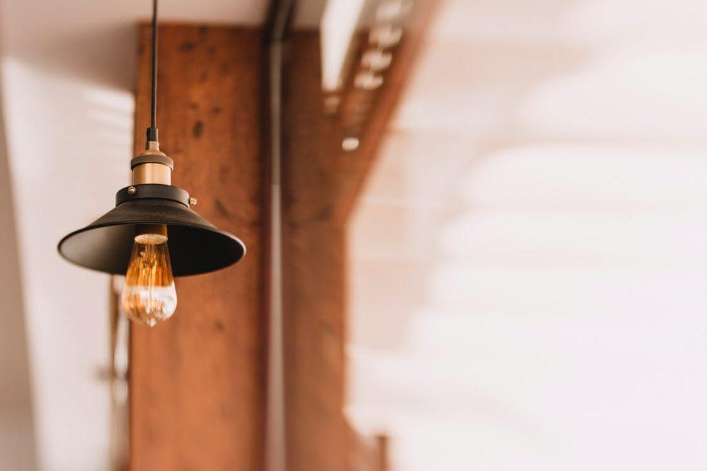 Lampy techniczne – dowiedz się więcej